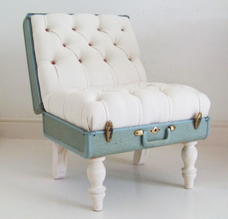 This vintage suitcase stool is modern and elegant.