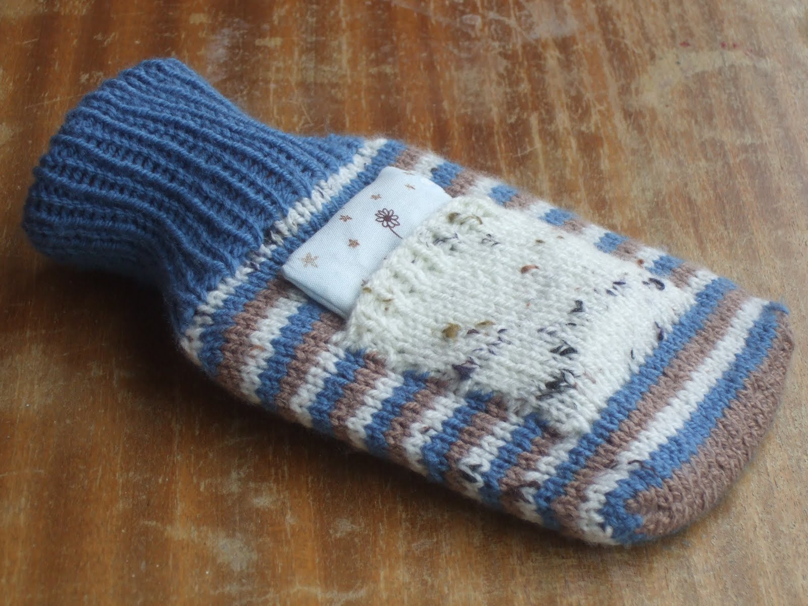 Free Knitting Pattern For Small Hot Water Bottle Cover : Made By Joanne: more quick knitted gifts: hot water bottle cover with lavende...