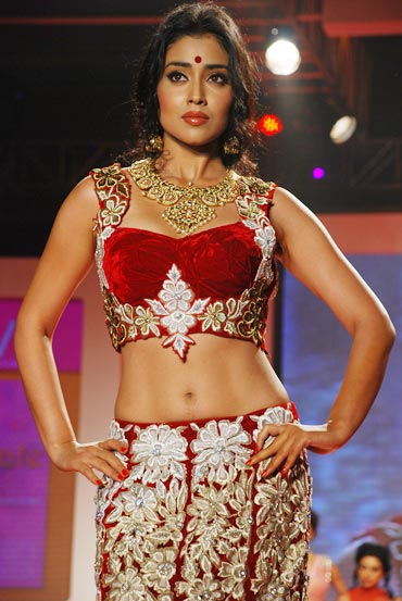 Shriya Saran Walks at Swarovski Gems Gem Visions India hot photos
