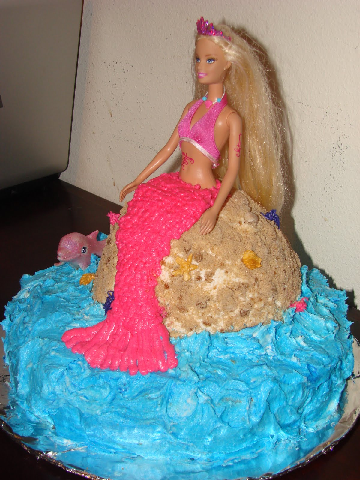 Barbie Mermaid Cake Images : Aggieland Mommy Bakes: Lauren s 7th Birthday Mermaid ...