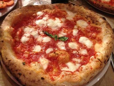 Pizza Margherita DOP. Blog Esteban Capdevila