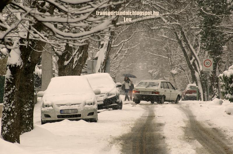 Karácsonyi hangulat,nagyszerda reggelén havazott