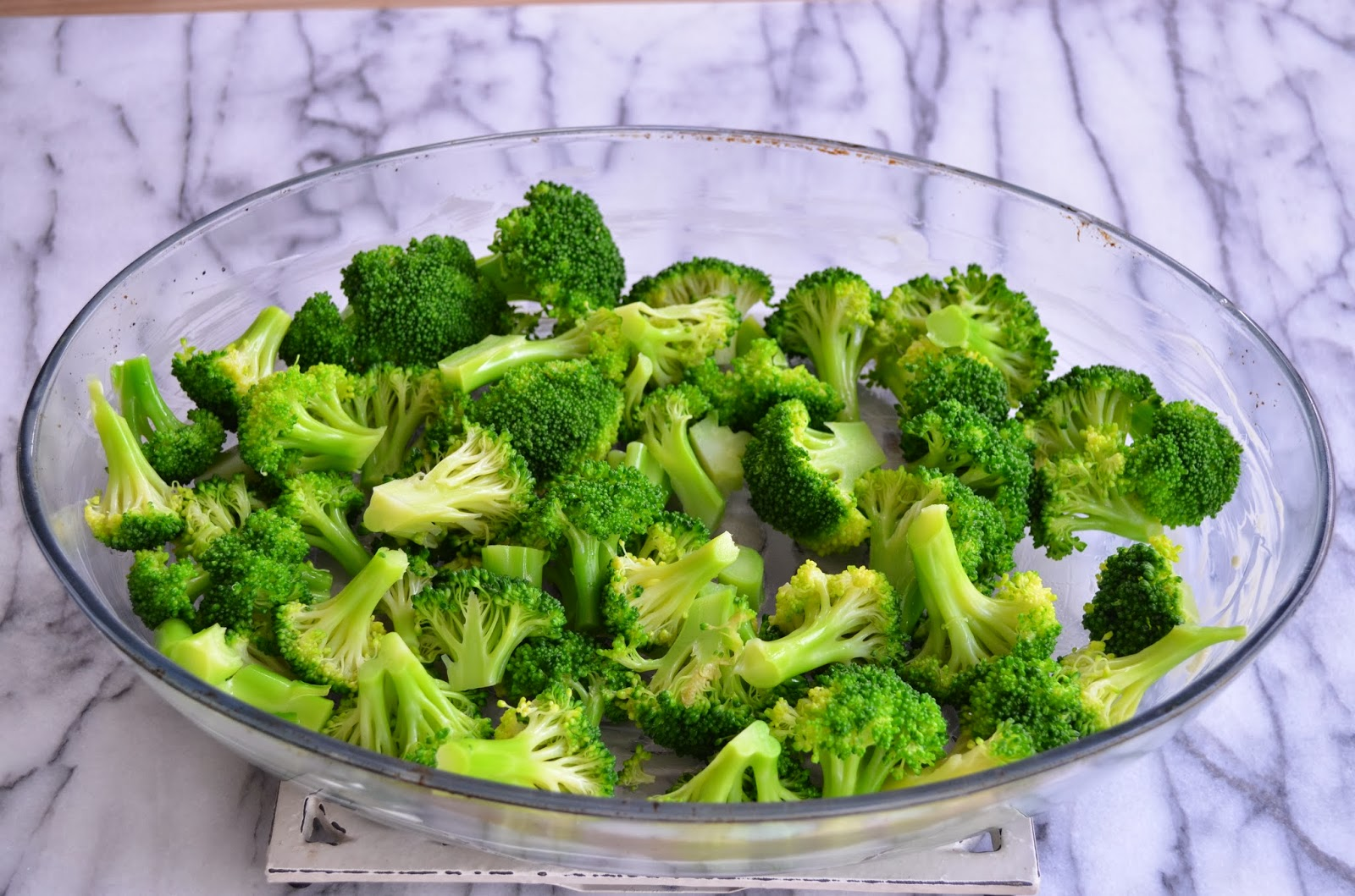 Macaroni and cheese with broccoli - assembling the ingredients