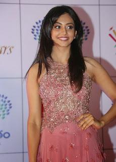 Actress Rakul Preet Singh Latest Pictures in Long Dress at Memu Saitam Dinner with Stars Red Carpet 9