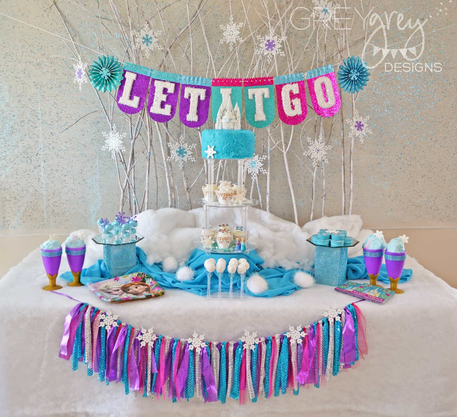 GreyGrey Designs Giveaway Frozen Birthday Party Pack for 8 with
