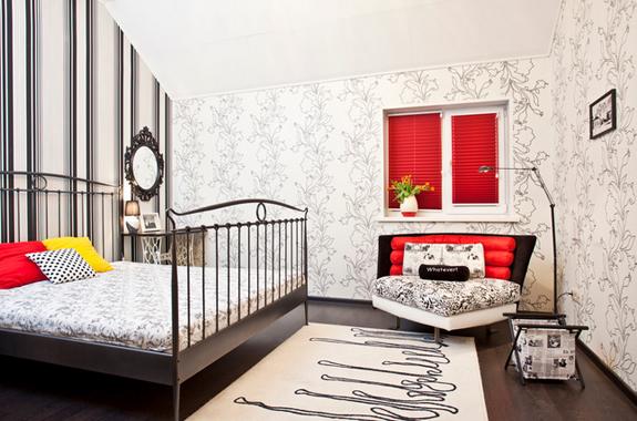 desain kamar tidur dengan paduan warna merah hitam dan