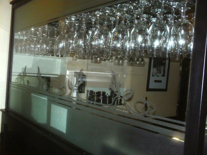 Preparar bebidas mobilario peine marimba o copero - Mobiliario de un bar ...
