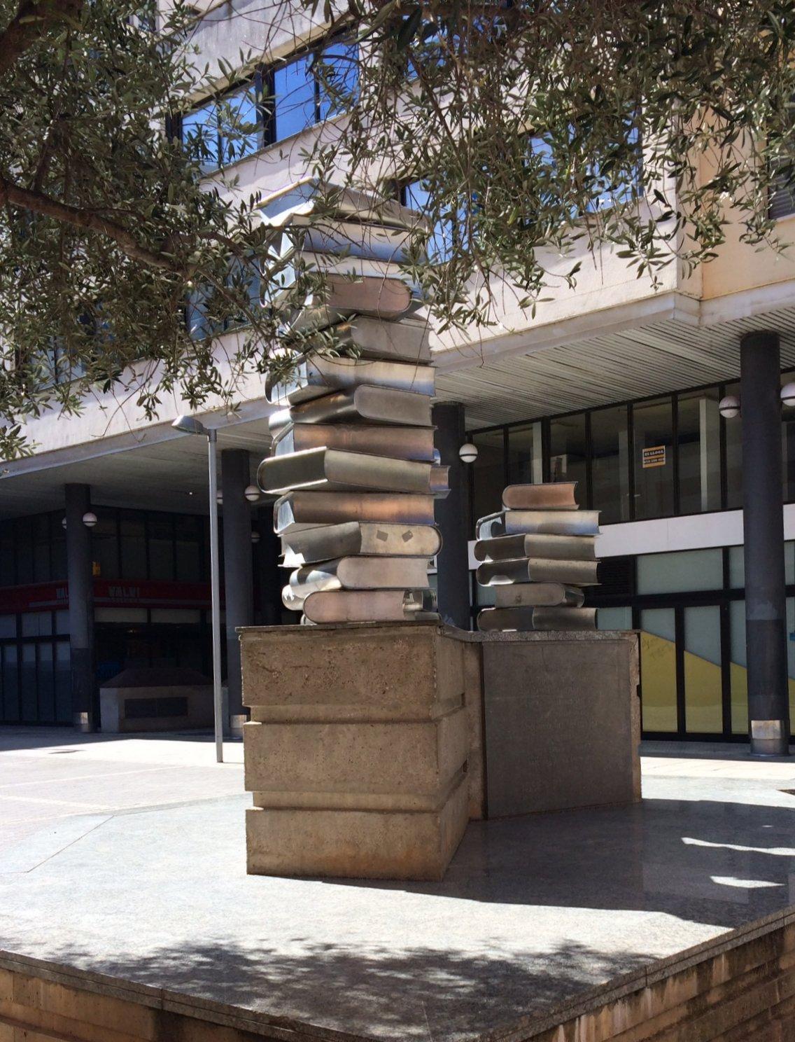 A la plaça Josep Pla, de Girona