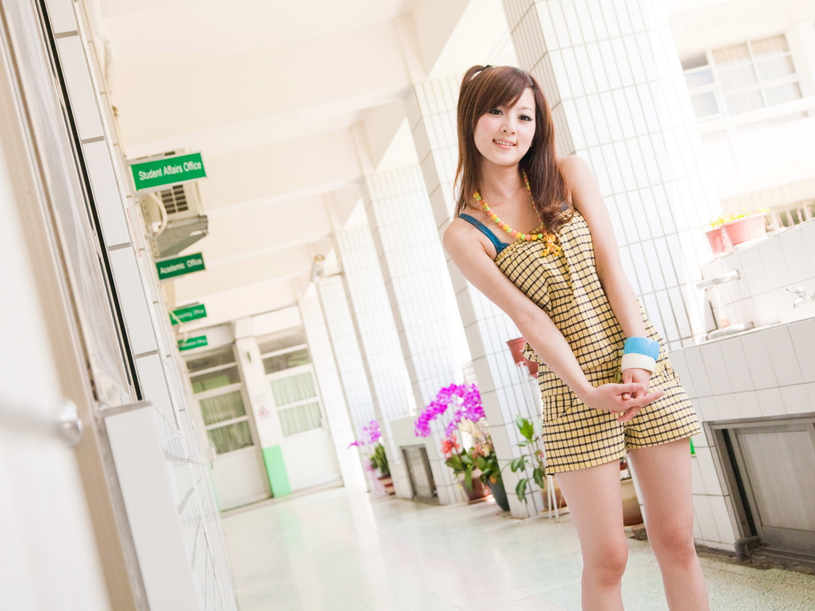 And Beautiful Asian Girls Wallpapers Full HD Free Download