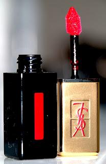 yves saint laurent YSL rouge pur couture vernis à lèvres 11 rouge gouache swatch test