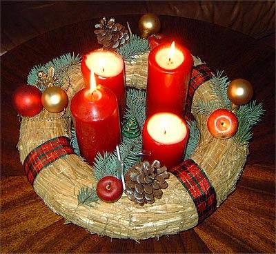 corona para navidad con velas