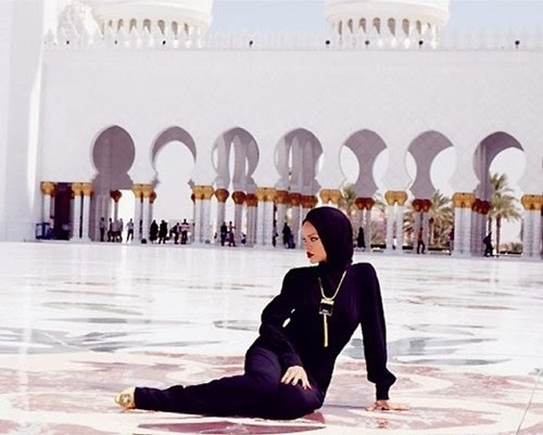 Rihanna Photoshoot at Abu Dhabi