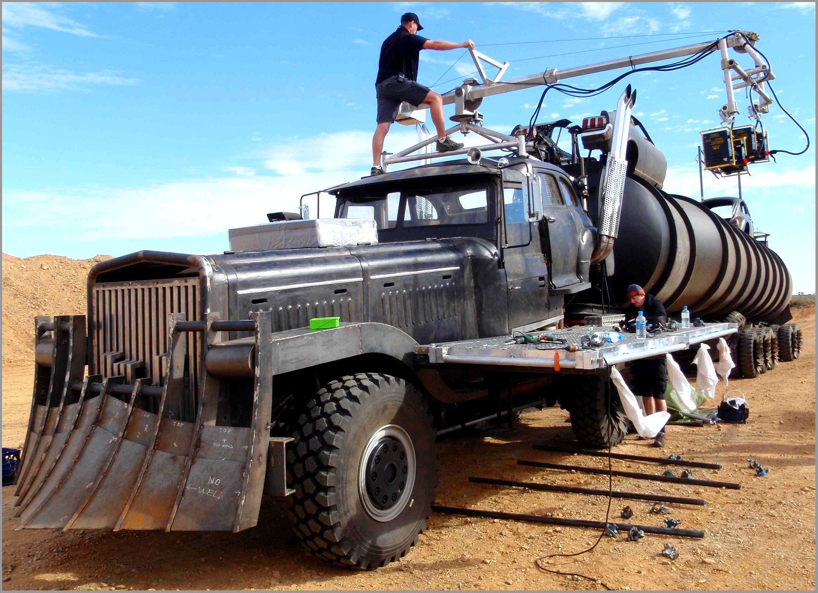 Tournage+Mad+Max+4+(fury+road)+(16).jpg