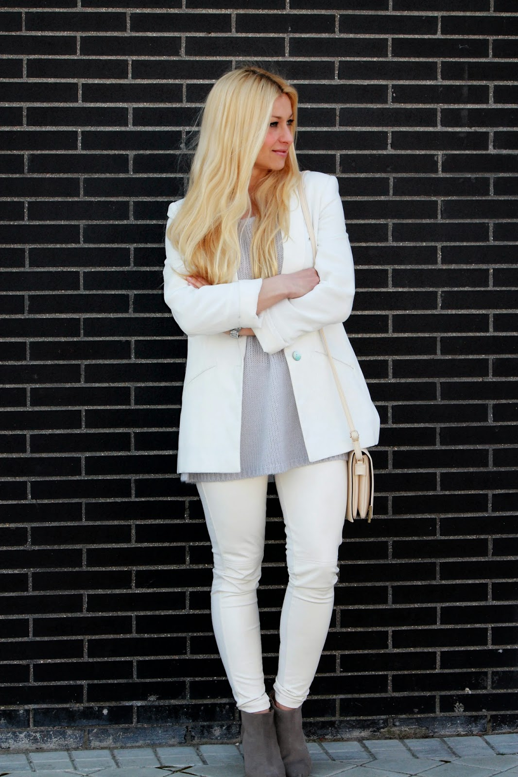 pantalon blanco ajustado miriam in vogue