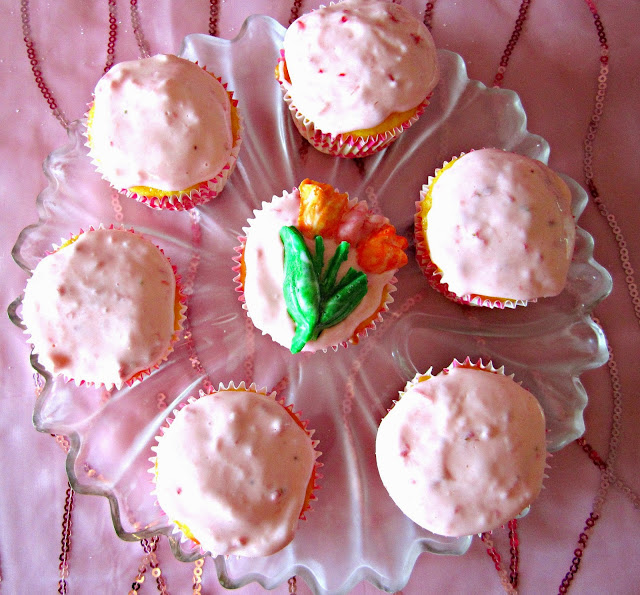 Mother's Day tropical mango cupcakes