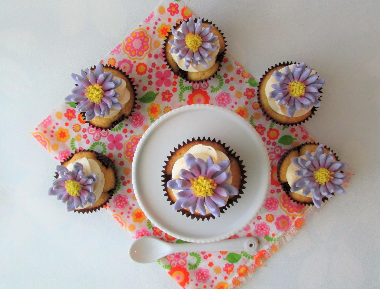 cupcakes-frutos-rojos-fondant
