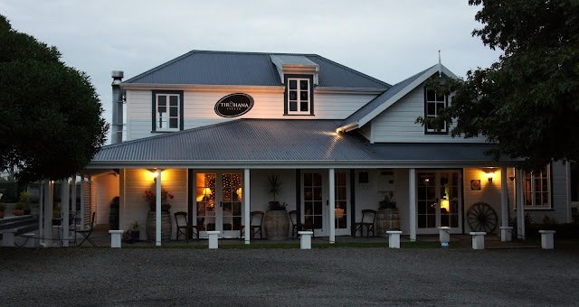 Cosy spot for dinner - Tirohana Estate - Martinborough