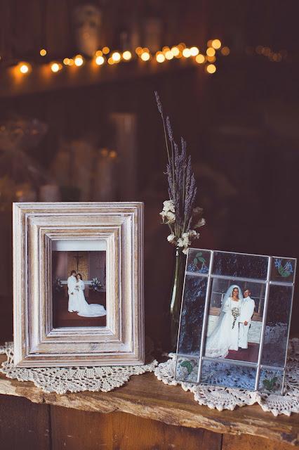 Parents wedding photos at wedding reception