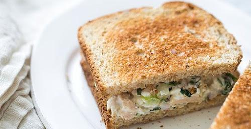 Sanduíche de salada de Atum