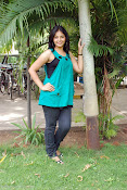 Actress Anjali New Photos, Anjali hot photoshoot stills-thumbnail-16