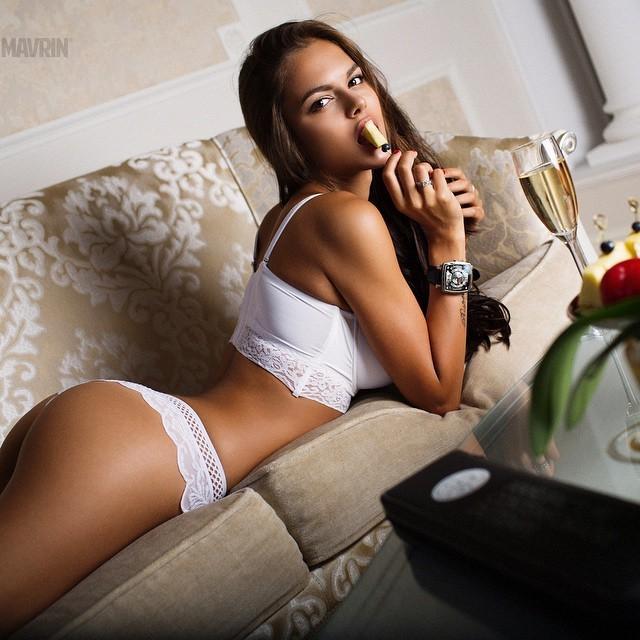 Порно фото виктории одинцовой