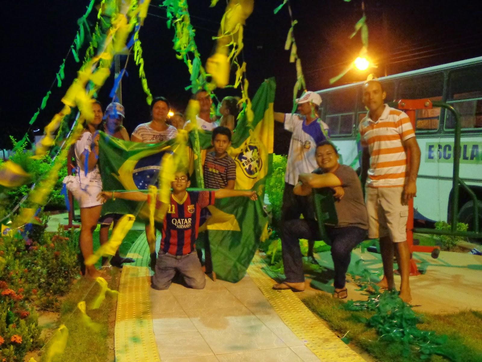 Córrego verde e amarelo