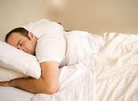 posisi tidur yang tidak baik untuk kesehatan
