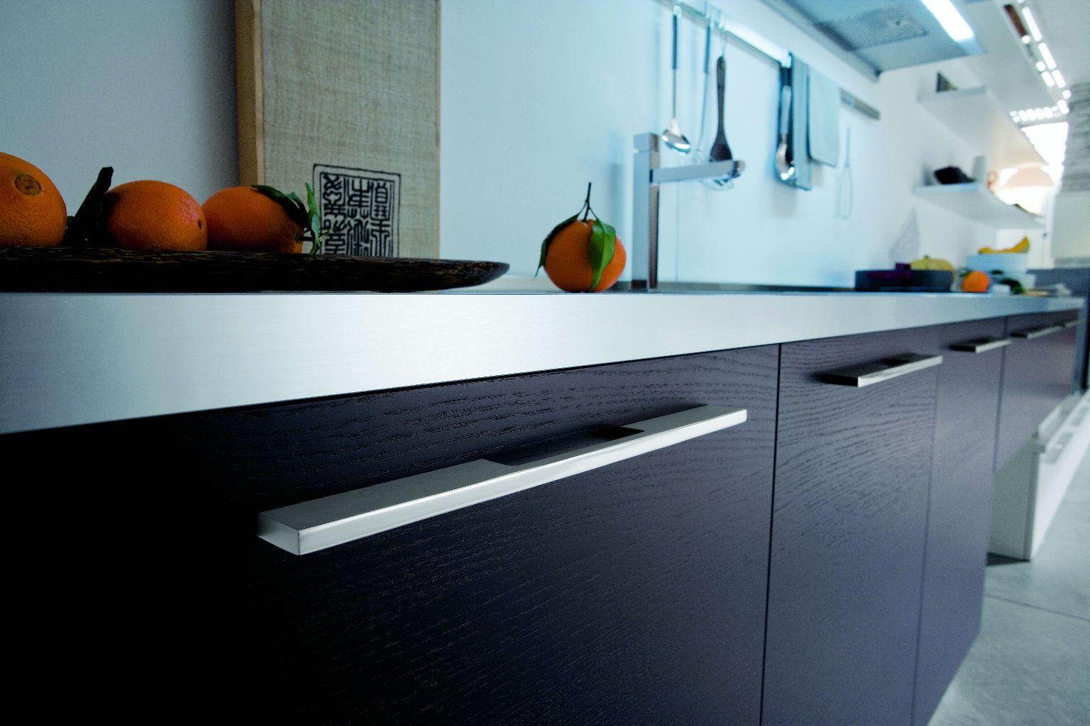 cuisine design ouverte sur le salon. Black Bedroom Furniture Sets. Home Design Ideas