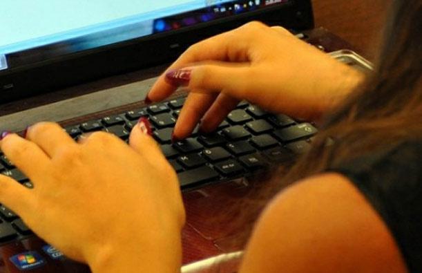 bilgisayar teknik destek elemanı pc laptop bilgisayar elemanı