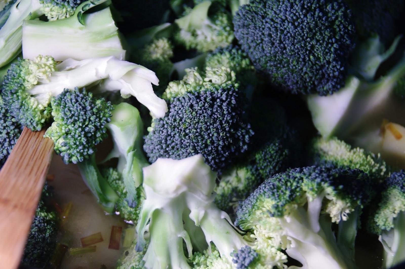 añadimos brócoli y espinacas
