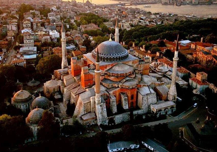 Φτυσιά στα μούτρα όσων ονειρεύονται Τζαμιά η ανάγνωση του Κορανιού μέσα στην Αγιά Σοφιά την Μεγάλη Παρασκευή