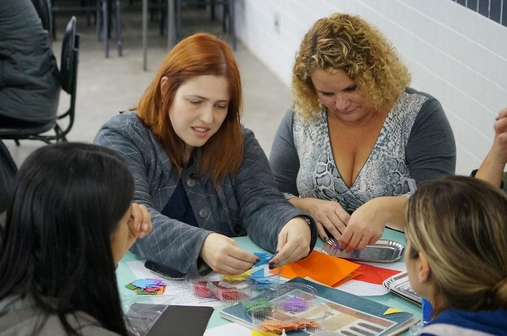 Durante a formação os professores aliam a teoria e a prática