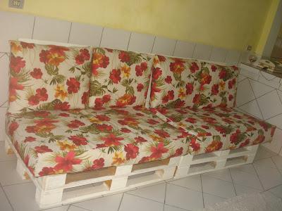 como fazer um sofá de pallets