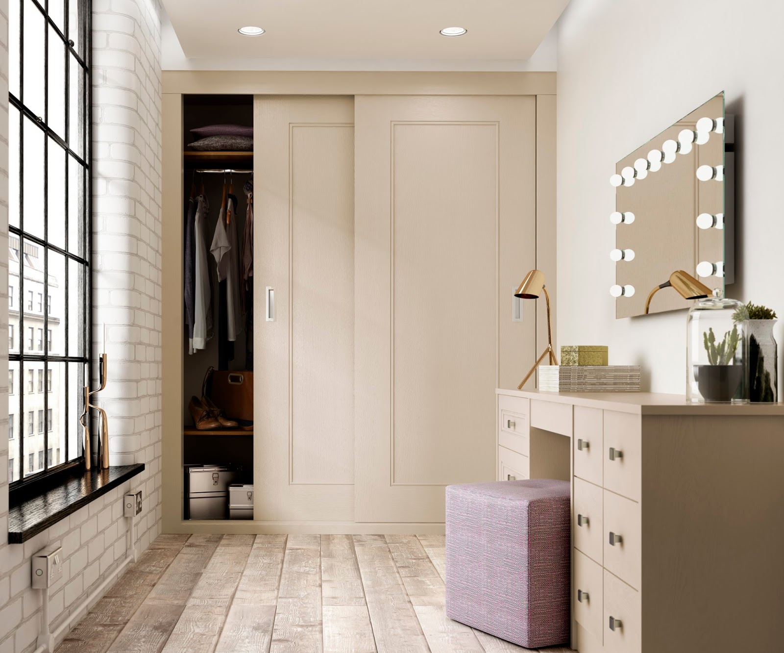 Home decor inspiration for using all available space - Dressing room small space ...