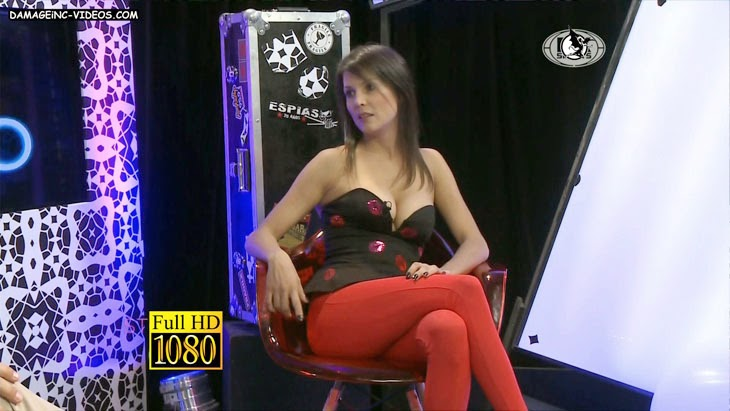 Ursula Vargues hot legs in red leggings Full HD video