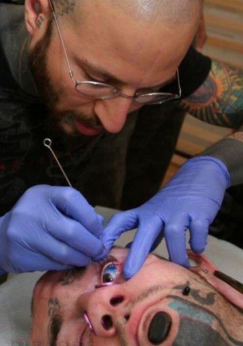 Τατουάζ με θέμα τα... μάτια (pics)