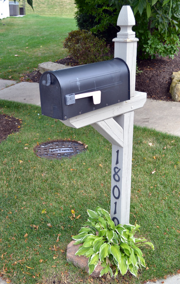 This blah mailbox totally needed a colorful update to take from blah to wow!