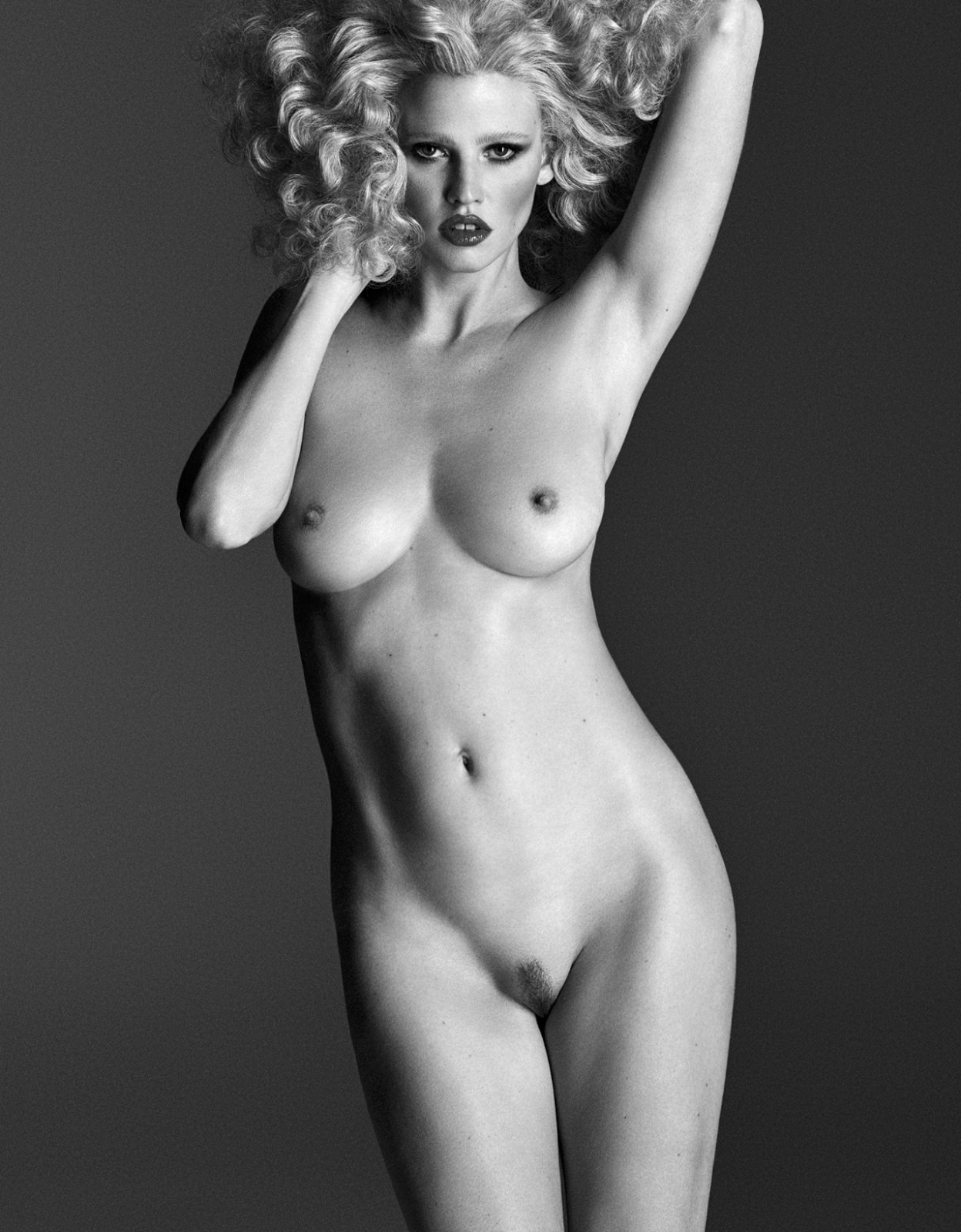 nude supermodel