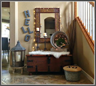 eclectic entry way, lighted wreath, decorating ideas