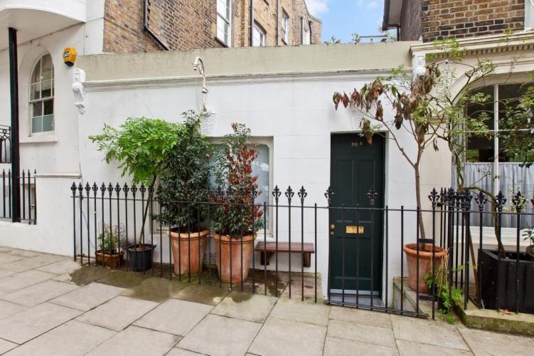 Οι τιμές των ακινήτων στο Λονδίνο έχουν ξεφύγει πέρα από κάθε λογική - Δείτε πόσο πουλήθηκε ένα σπίτι 17 τ.μ. [photos]