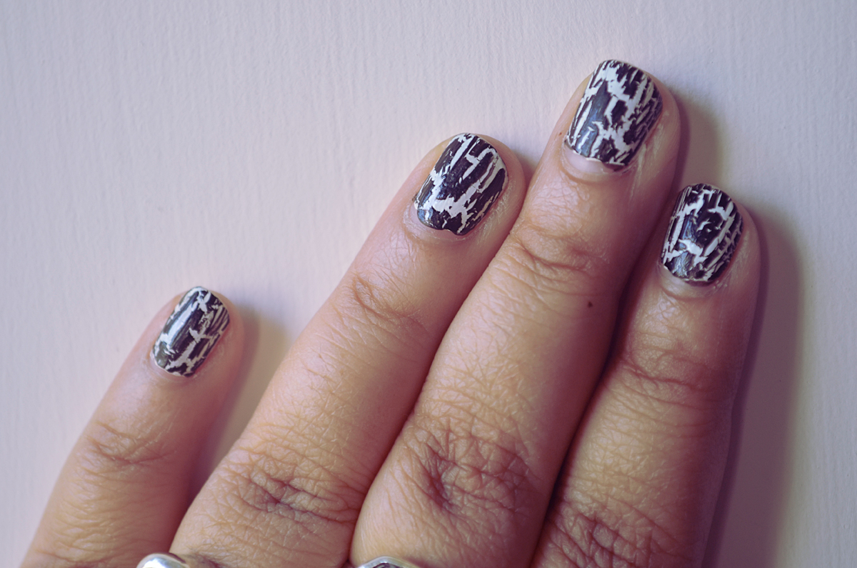 avon mosaic effects nail polish black on white nails
