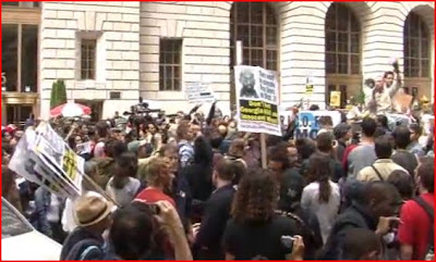 People protsts OCCUPYWALLSTREET USDOR Wall Street Closed For Democracy TakeWallStreet America
