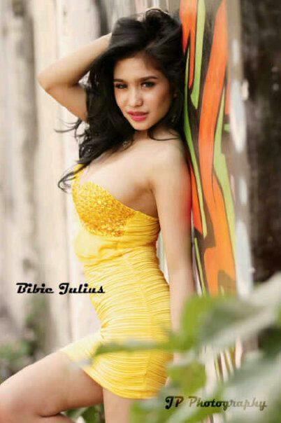 bibie julius foto bibie julius seksinya dress kuning