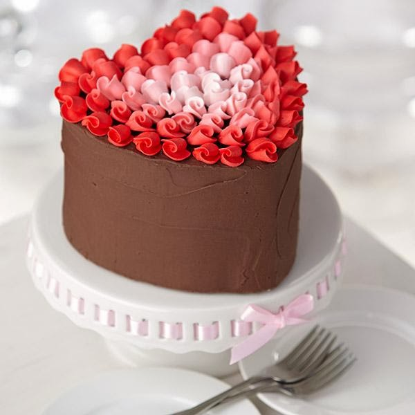 Blogazine 12 Deliciously Romantic Valentine S Day Cakes And Cookies