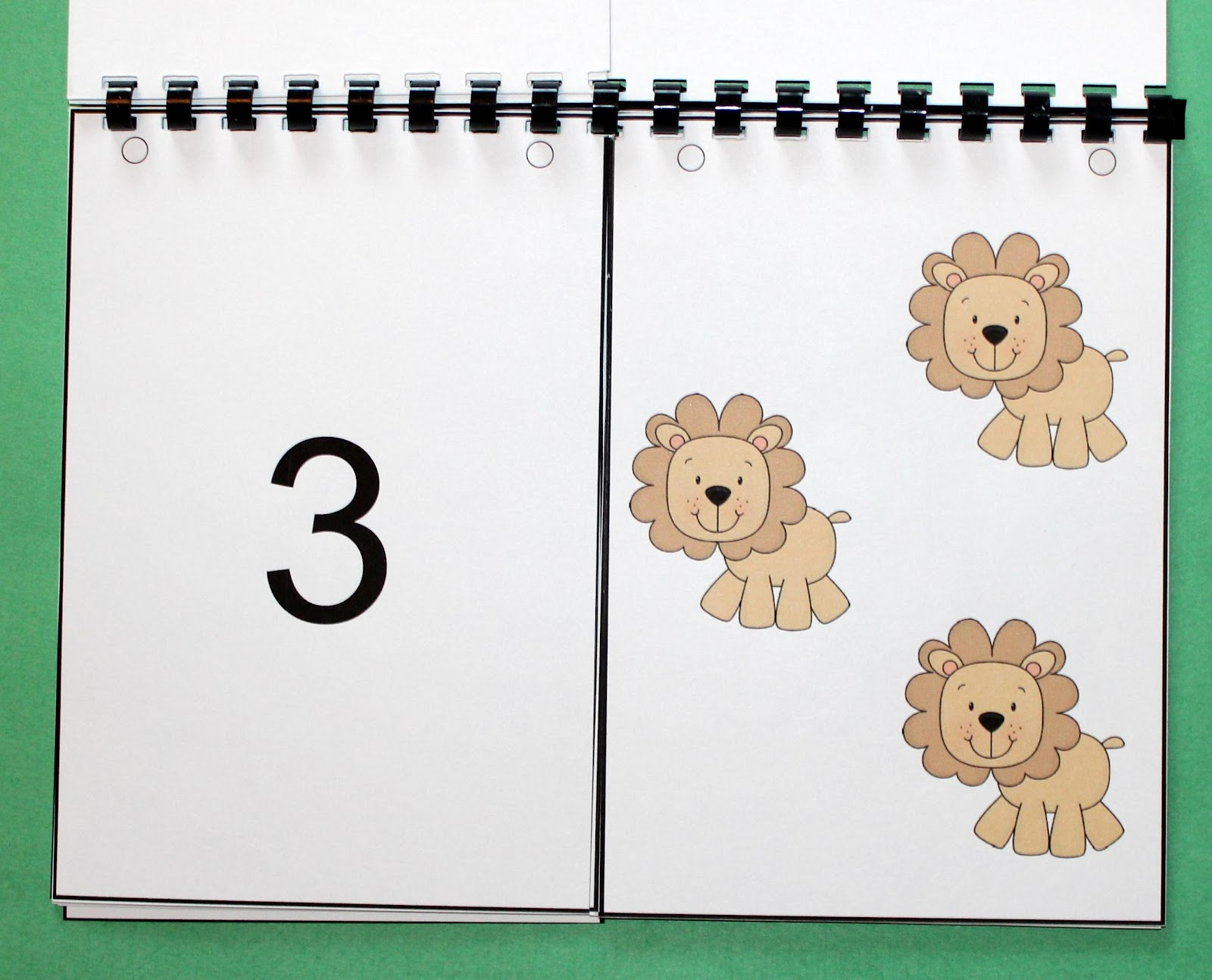 1, 2, 3 to the Zoo: A Counting Book