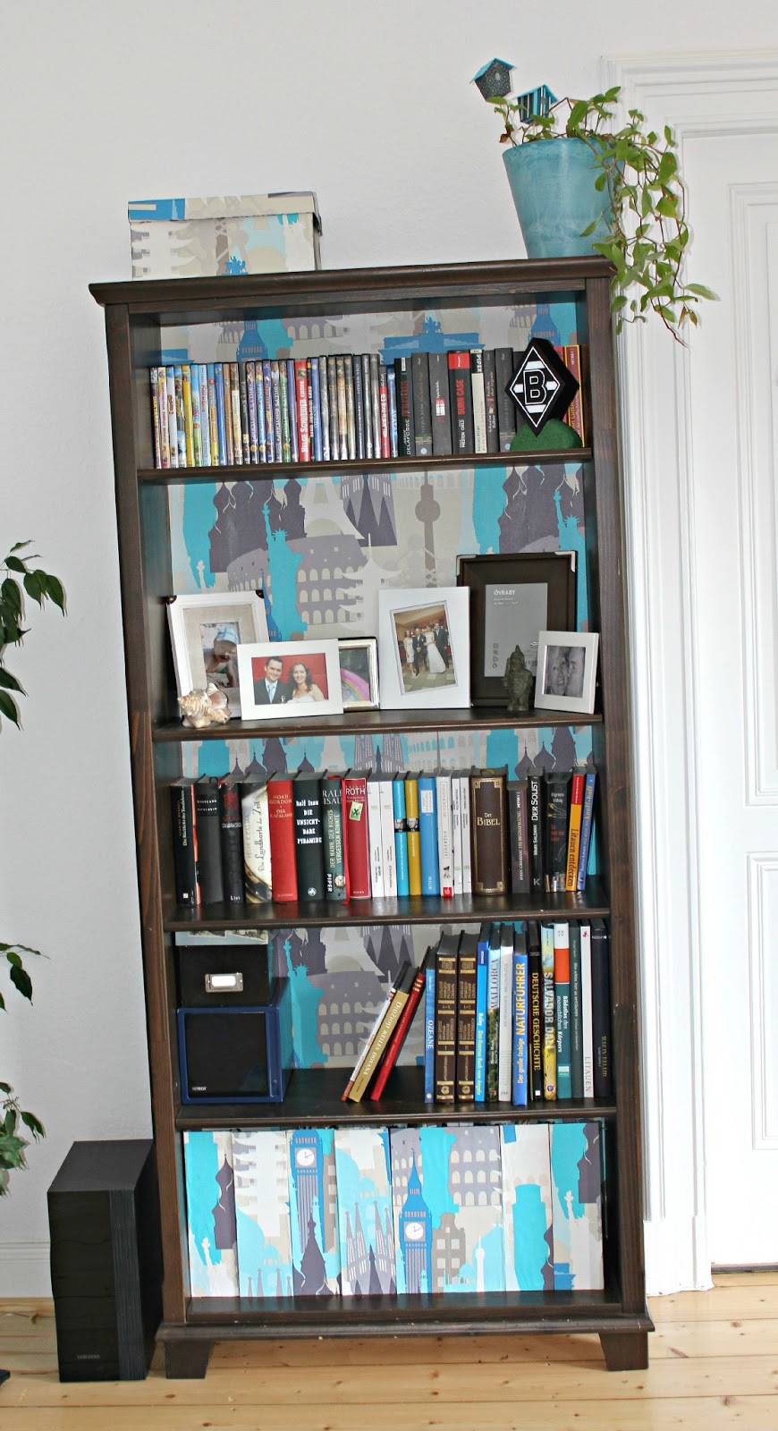 Стильные книжные шкафы, полки и 46
