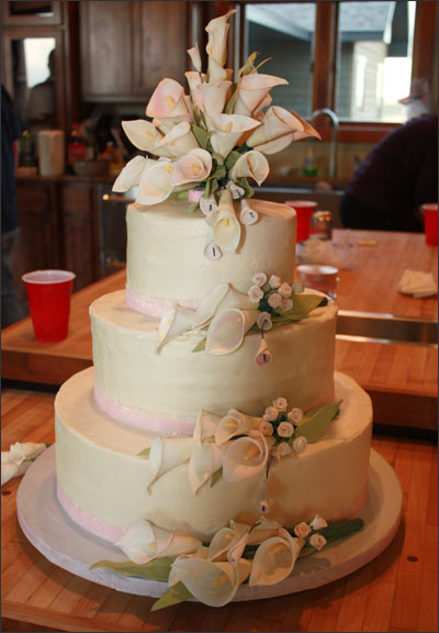 Wedding Cakes With Roses And Calla Lilies - Wedding Cake With Lilies