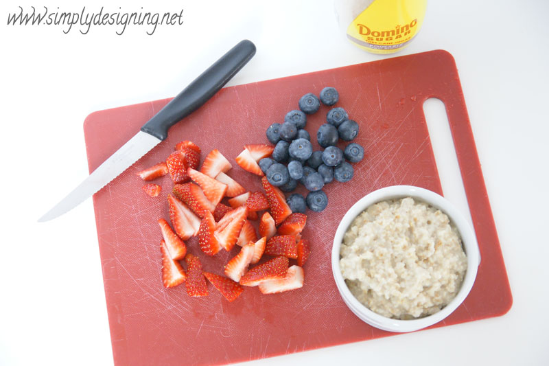 Berry Brown Sugar Oatmeal + 5 Ways to Simplify Your Mornings | #recipe #breakfast #screamfreemornings #schedule #fliptopfrenzyfree #sponsored