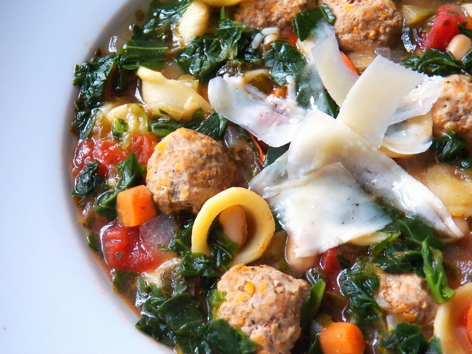 ealthy Turkey Meatball and Kale Soup
