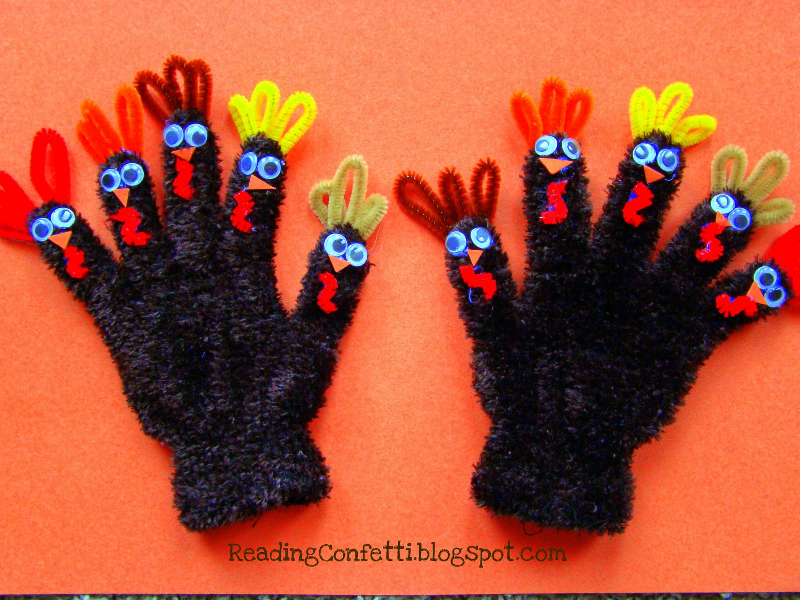 Turkey Finger Puppet Gloves from Reading Confetti